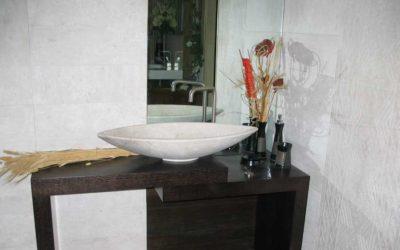 Perché scegliere arredamenti in marmo per il bagno