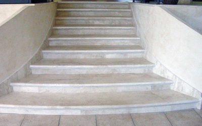 Rivestimenti in marmo per le scale